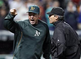 Bob Melvin, Angel Hernandez