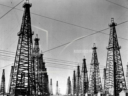 Associated Press Domestic News Texas United States SPINDLETOP OIL DERRICKS
