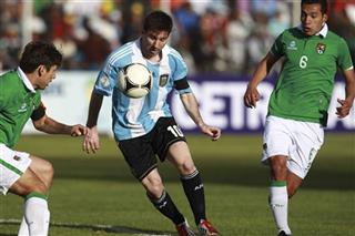 Lionel Messi, Ronald Raldes, Walter Veizaga