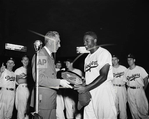 Watchf AP S BBA NEW YORK USA APHS79649 National League's Most Valuable Player 1949