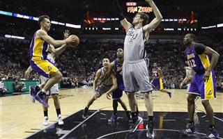 Steve Nash, Tiago Splitter