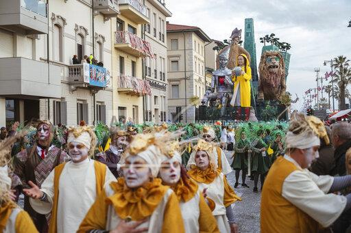 Italy: Parade of the Viareggio Carnival 2020