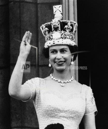 Watchf Associated Press International News   ENGLAND APHS225729 Queen Elizabeth II