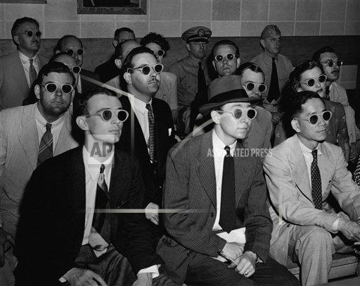 Creative Copyright Corbis/AP Images A    IH185968 Audience Watching 3-D Movie