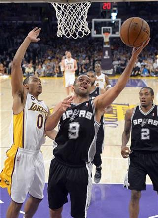 Tony Parker, Andrew Goudelock, Kawhi Leonard