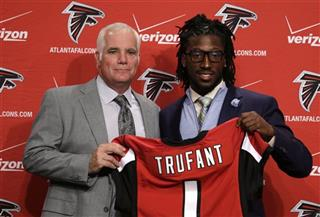Desmond Trufant, Mike Smith