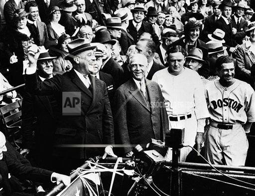Watchf Associated Press Domestic News Professional Baseball (American League) Dist. of Col United States APHS126507 FDR Throws Out First Pitch 1934