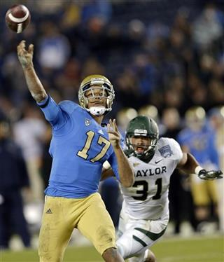 Brett Hundley, Josh Wilson