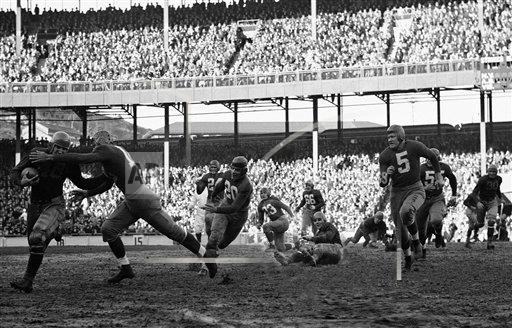 Watchf Associated Press Sports NFL Football New York United States APHS205685 Football Pro  Games  1937    New York  vs   Chicago