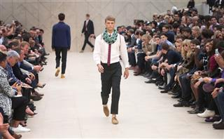 Britain London Men's Fashion Burberry