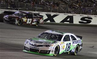 David Reutimann, Kyle Busch
