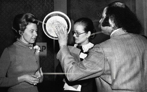 Watchf AP A  NY USA APHS262270 Phyllis Schlafly  ERA  Opposition    Aron Kay  Holding Pie