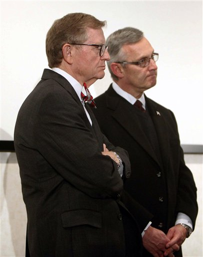 Jim Tressel, E. Gordon Gee