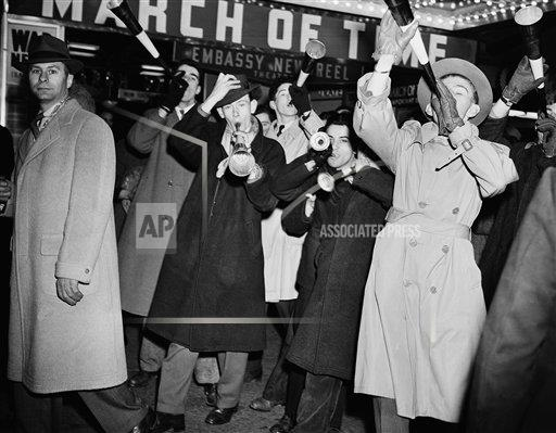 Watchf Associated Press Domestic News  New York United States APHS126607 New Year 1942