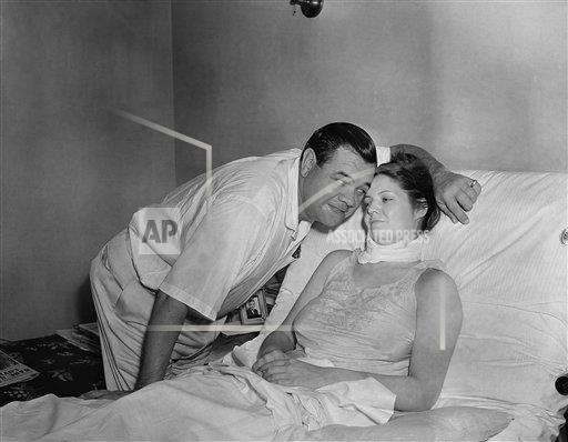 Watchf Associated Press Sports Professional Baseball (American League) New York United States APHS176445 Babe Ruth Visits Daughter 1938