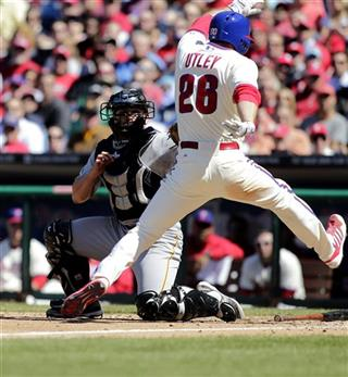 Michael McKenry,Chase Utley