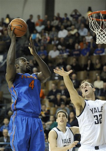Patric Young, Greg Kelley