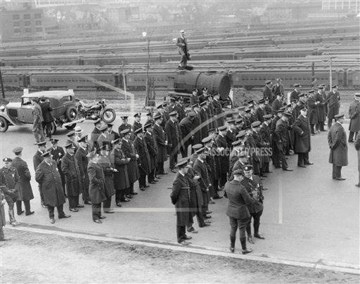 Watchf AP A  DC USA APHS268603 Great Depression Hunger March 1932