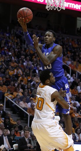 Archie Goodwin, Kenny Hall