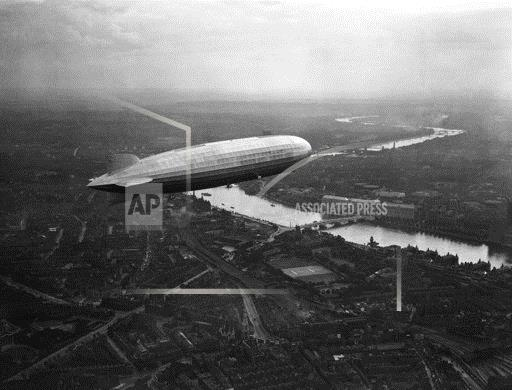 England Graf Zeppelin over London