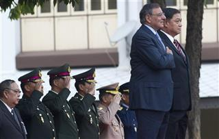 Leon Panetta, Sukampol Suwannathat