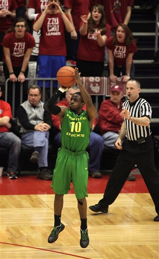 Johnathan Loyd, Jeff Wooten