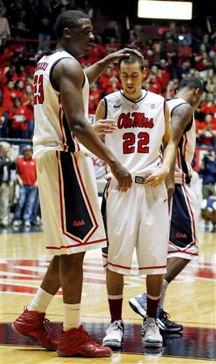 Marshall Henderson, Reginald Buckner