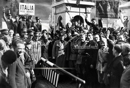 Watchf AP I    APHSL13 Mussolini Stands At Austria's Frontier 1935