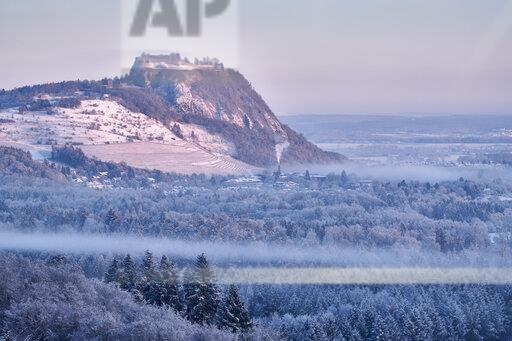 Germany, Baden-Wuerttemberg, Konstanz district, Hegau volcano Hohentwiel in winter in morning light