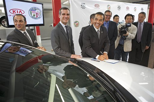 Eric Garcetti, Antonio Villaraigosa