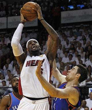 LeBron James, Nick Collison