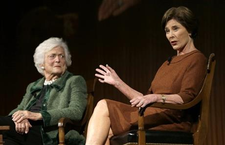 Barbara Bush, Laura Bush