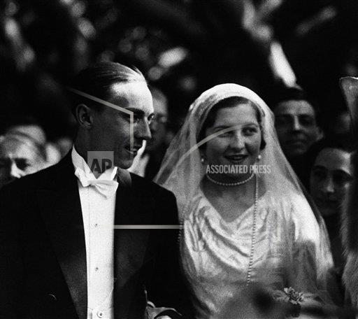 Watchf AP I   ITA APHSL45549 Italy Prince Henri and Princess Isabelle Wed