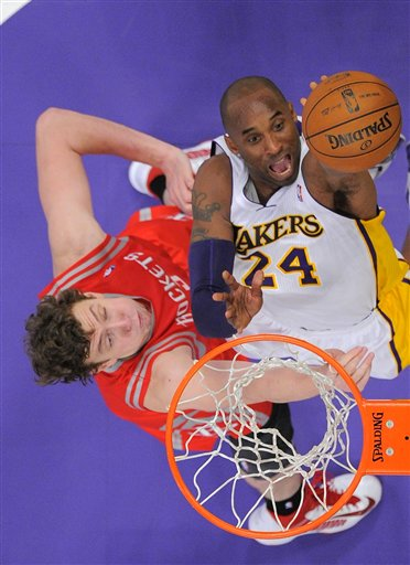 Kobe Bryant, Omer Asik