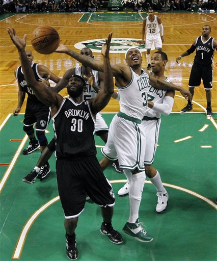 Reggie Evans, Paul Pierce