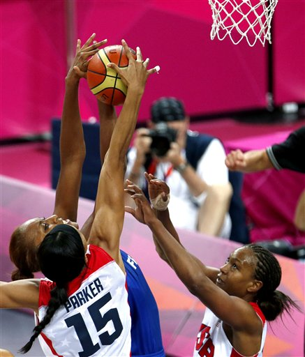 Sandrine Gruda, Candace Parker, Tamika Catchings