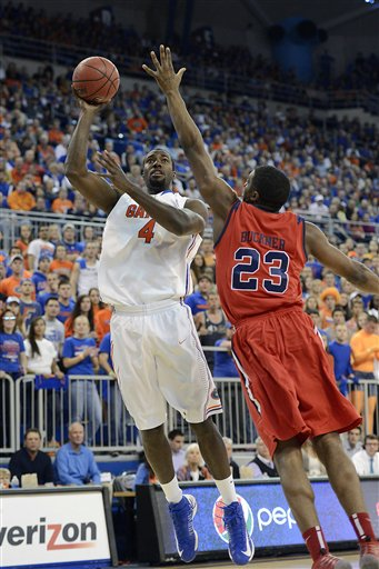 Patric Young, Reginald Buckner