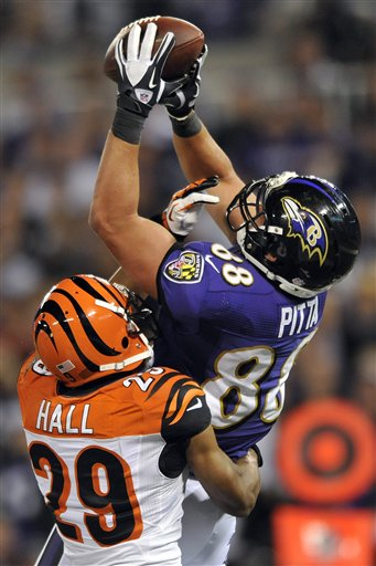 Dennis Pitta, Leon Hall