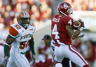 Kenny Stills, Brandon Hepburn