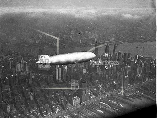 Associated Press Domestic News New York United States HINDENBURG OVER NYC