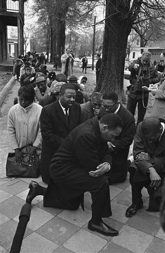 Watchf AP S  AL USA APHS237659 Group of Civil Rights Prays