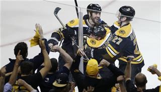 Brad Marchand, Dougie Hamilton, Zdeno Chara