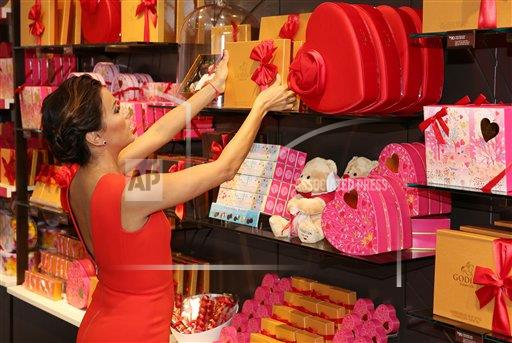 "GODIVA Launches ""Public Display of GODIVA"" Valentine's Day Campaign with Eva Longoria"
