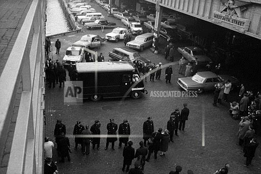 Watchf Associated Press Domestic News  New York United States APHS9208 DaVincis Mona Lisa Travels Protected 1962