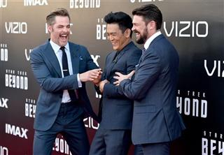 Chris Pine, Karl Urban, John Cho