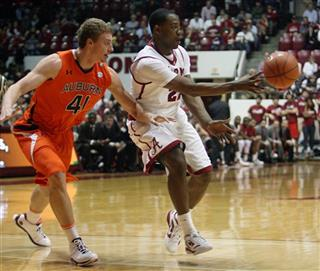 Alabama guard Andrew Steele (22), Auburn&#039;s Rob Chubb (41)