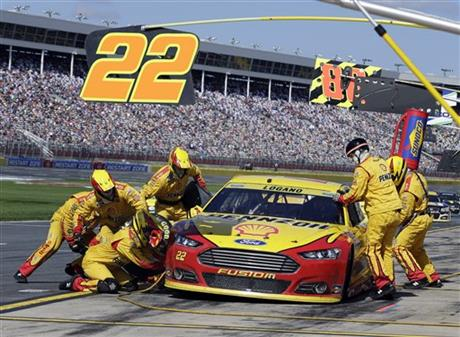 Drivers Universally Praise Nascar 39 S 2016 Rules Package