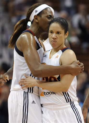 Kara Lawson, Asjha Jones
