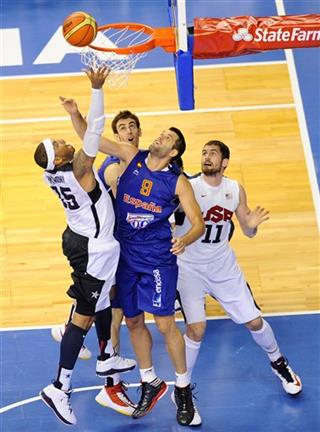 Carmelo Anthonhy, Felipe Reyes