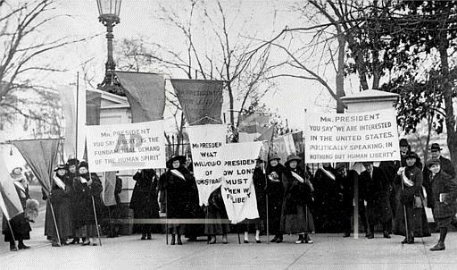 Associated Press Domestic News Dist. of Columbia United States SUFFRAGISTS PICKET WHITE HOUSE